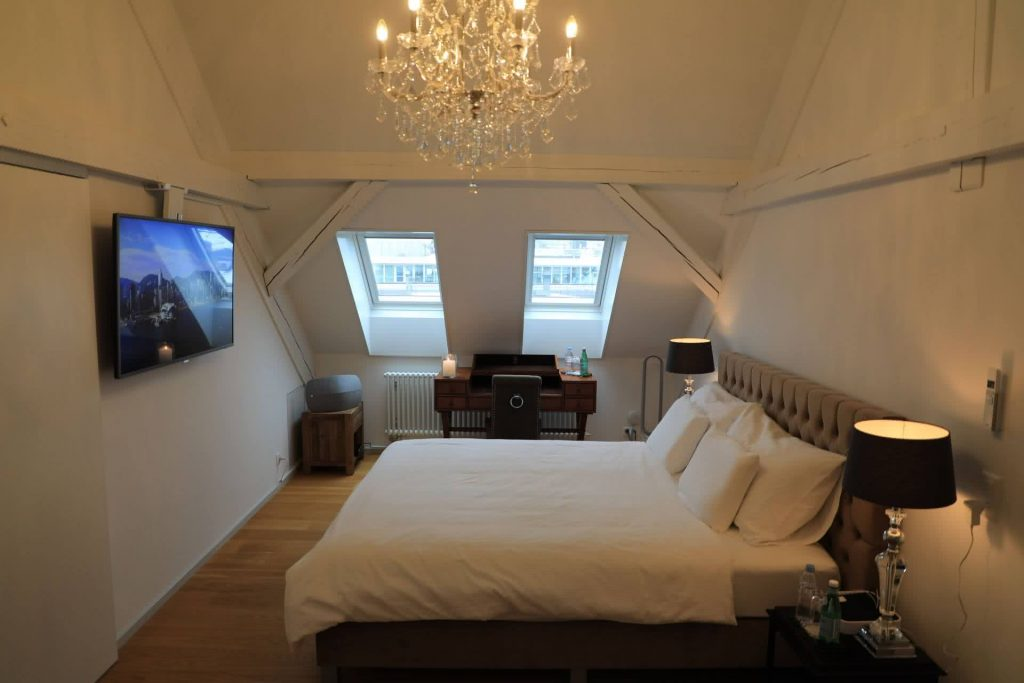 Master bedroom Newport private rehab Clinics